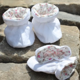 Pack Baby Mittens and Booties Fleur